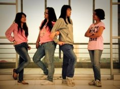 Nanda, Maya, Ajeng, Agatha